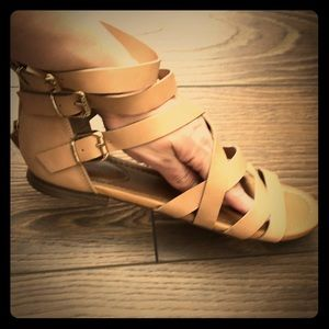 Breckelles Gladiator sandals in nude. Size 7